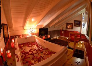 LOFT 44 QUATRO ESTAÇÕES - Espaço de Banho Salvador Dalí 5.png
