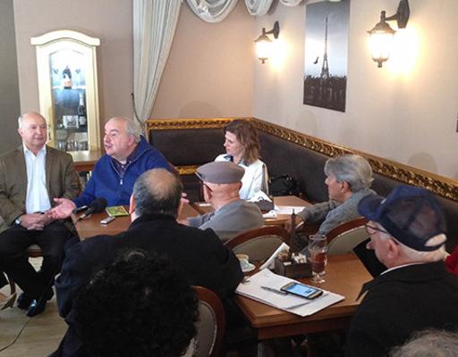 Prefeito de Curitiba, Rafael Greca participou de encontro com a imprensa em Gramado