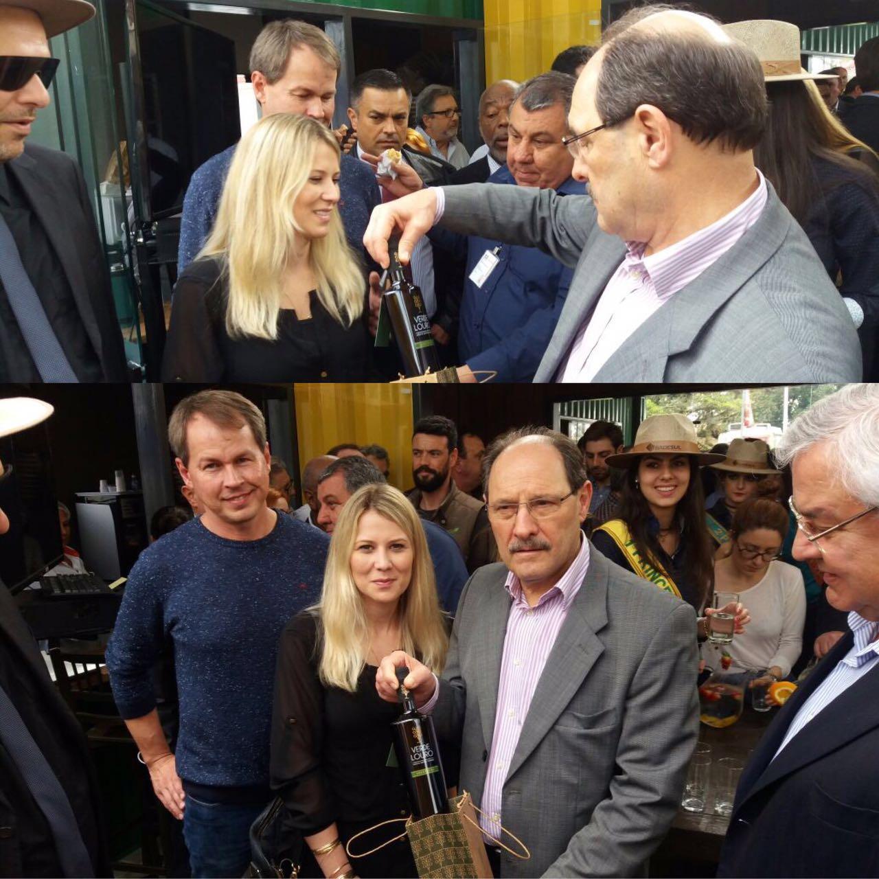 Governador Gaúcho recebe azeite Verde Louro na Expointer 2016.