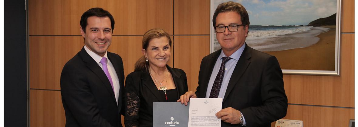 Ministro do Turismo Vinícius Lummertz no FESTURIS Gramado.jpg