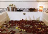 LOFT 45 VERÃO - Espaço de Banho Mondrian - Produção Romântica 2.png
